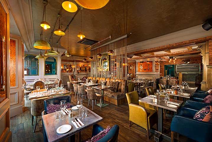 queens hotel ennis restaurant